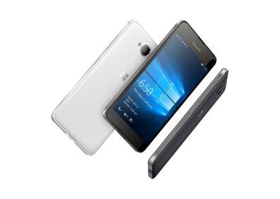 Lumia650_Group_Image 01