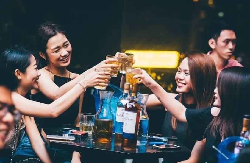 Girlie bars in bangkok - Lady Drinks for thai girls