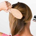 Tóc rụng quá nhiều, có thể bạn đang mắc phải một trong các thói quen xấu sau
