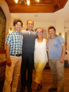 Das Orga-Team: Ibrahim (Guide), Recep (Busfahrer), Rosi (Orga DAV Flensburg), Ali (Orga Türkei)