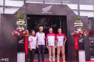 Honda Big Bike Showroom