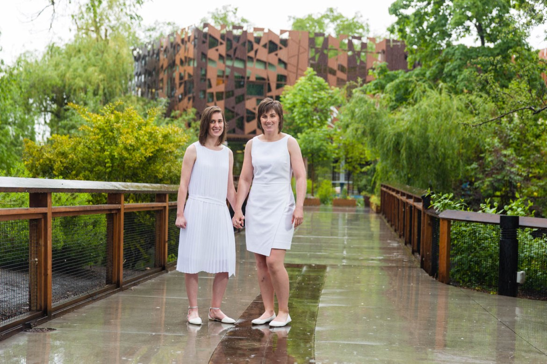 Brides in the Rain at Tracy Aviary