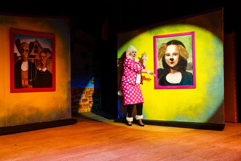 Showcasing the Mona Woofa
