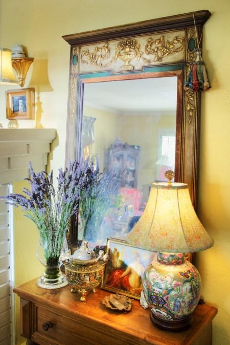 708 San Miguel living room mirror