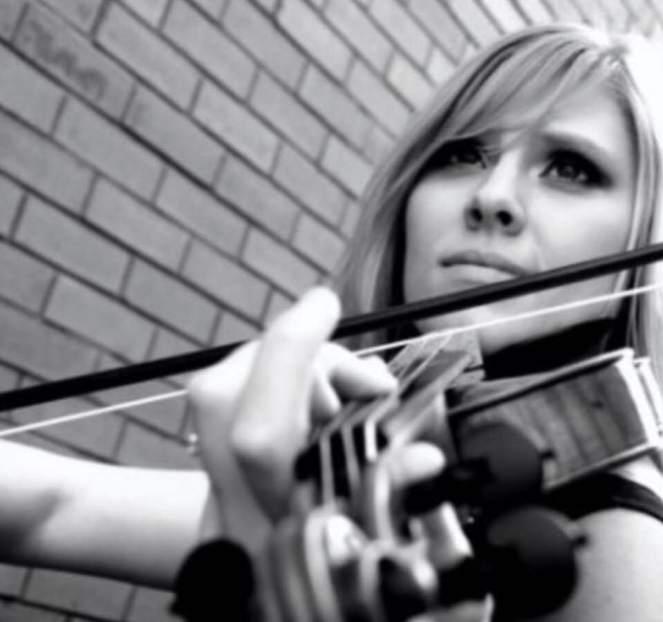 violin black and white