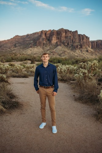 Senior Photos at the Superstition Mountains