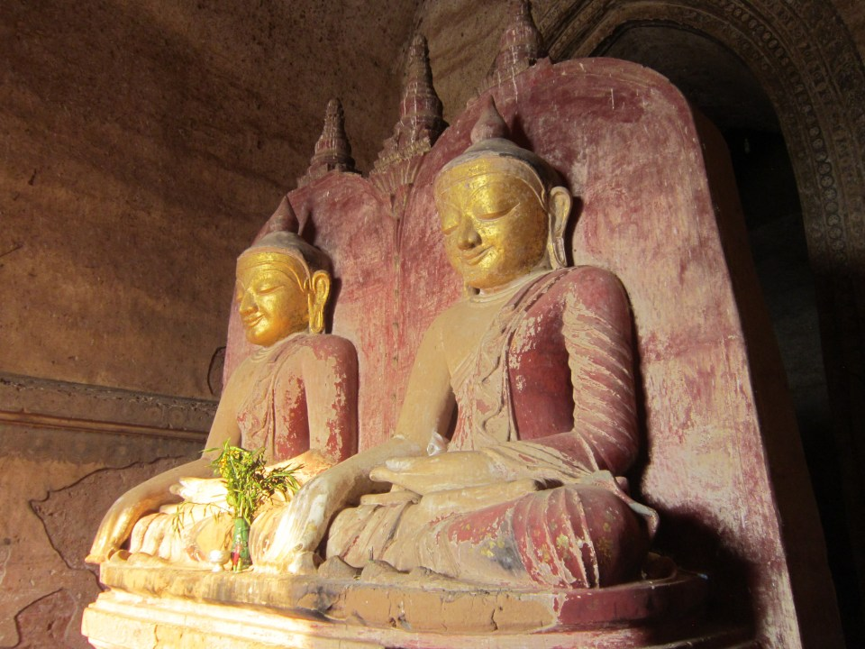 2 Buddha statues side by side in the Temples of Bagan