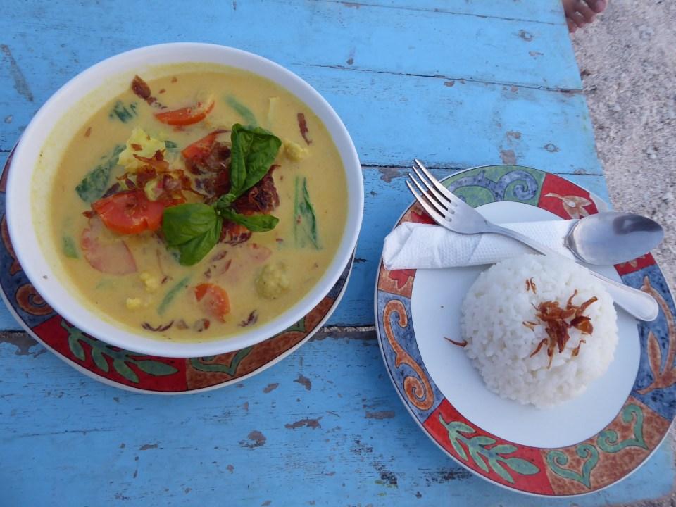 Gili Air food - Vegetarian Green Thai Curry and Rice