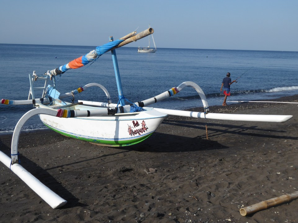 A boat on the beach at Amed - backpacking Bali