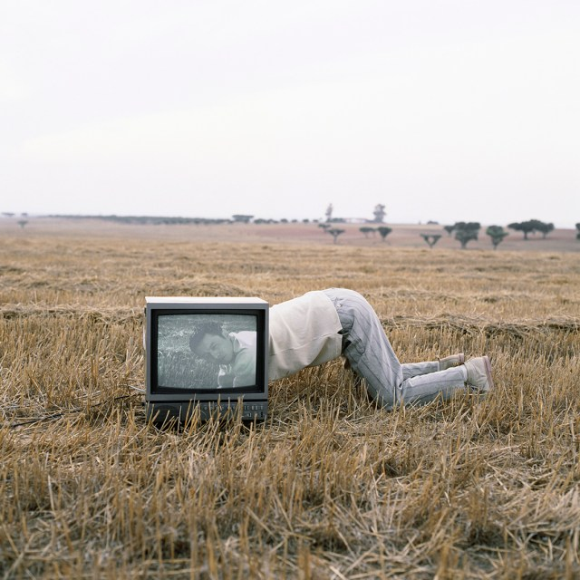 'Looking Through Tv' Portugal, Matsuda,1992, ©geof kern