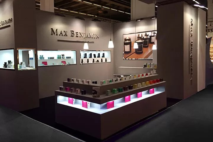 MB Show Stand 1