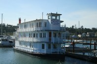 The Newport Belle Bed and Breakfast. It's a sternwheel riverboat, built in 1993, designed from the start to be a B&B. Haven't seen the inside yet, maybe next time we're in Newport.