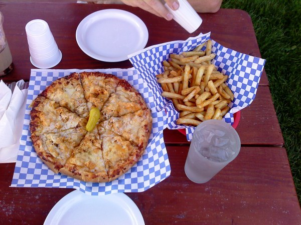 After the hike we went back into Vernonia for dinner at the Black Bear Cafe. We went for the Garlic Chicken Pizza, their signature pizza, and fries. Apparently we were a little bit hungry because we ate it all along with the 24 oz chocolate peanut butter frappe. It was all delicious!