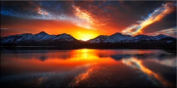 Winter Sunset Over Derwent Water - Canvas Print