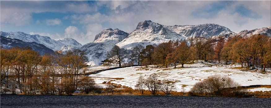 Loughrigg Tarn Winter View - Canvas Prints