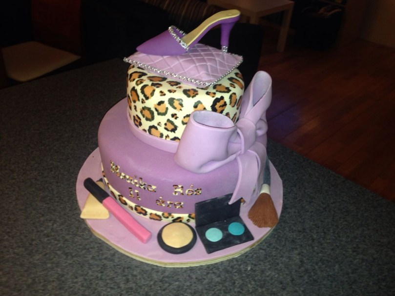 11 Year Old Birthday Cakes Birthday Cake For A 11 Year Old Girl Kids Cakes Pinterest
