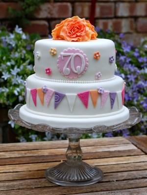 70Th Birthday Cakes Pretty 70th Birthday Cakes Vanilla Frost Cakes