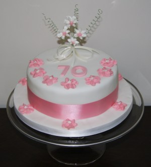 70Th Birthday Cakes Say It With Cake 70th Birthday Cake Lovinghomemade