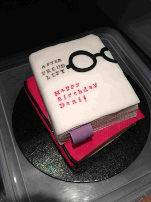 Book Birthday Cake Book Birthday Cake Birthday Cake In 2018 Pinterest Cake