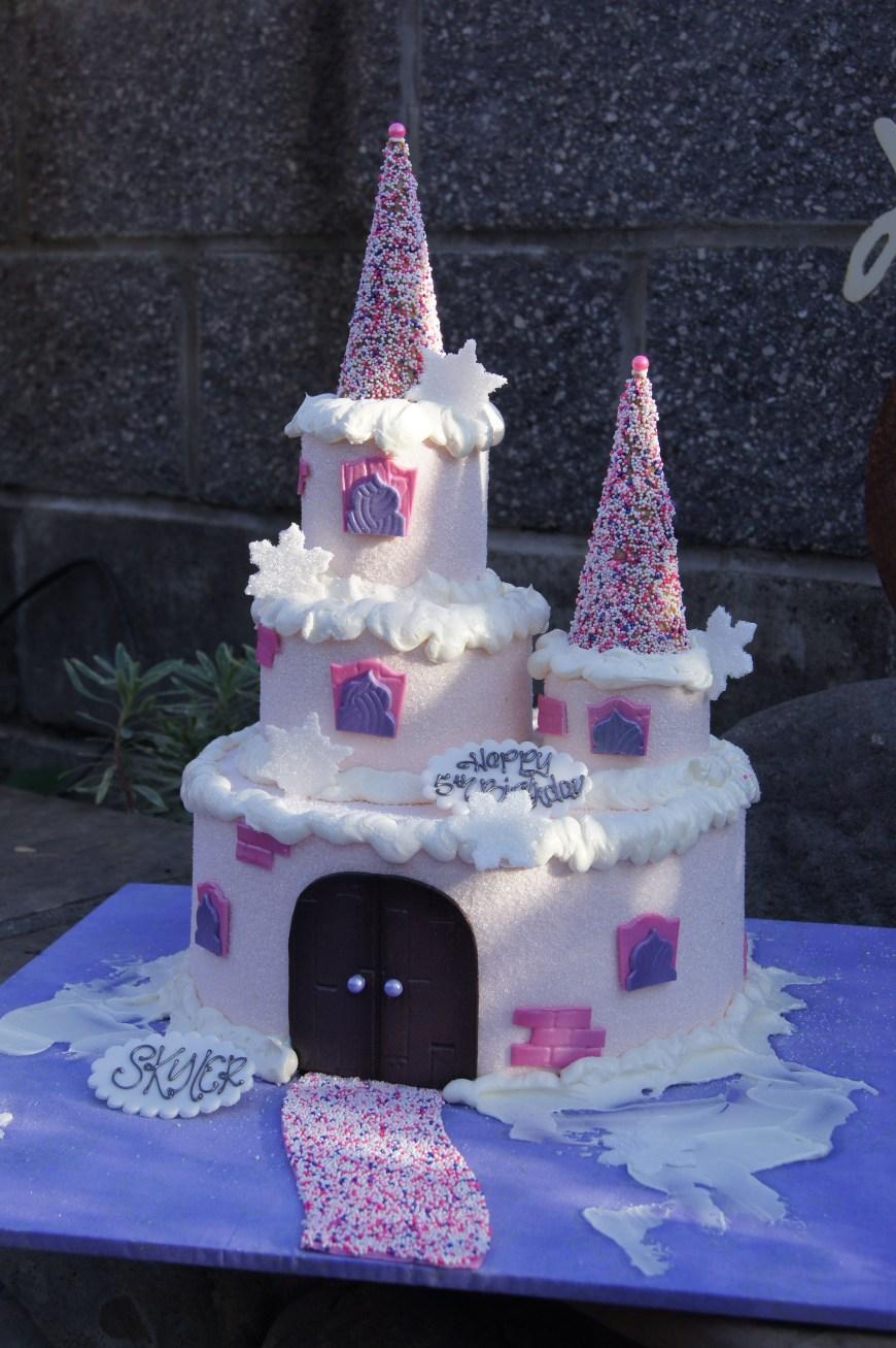 Castle Birthday Cake Pink Princess Castle Birthday Cake Shaped Cakes Pinterest