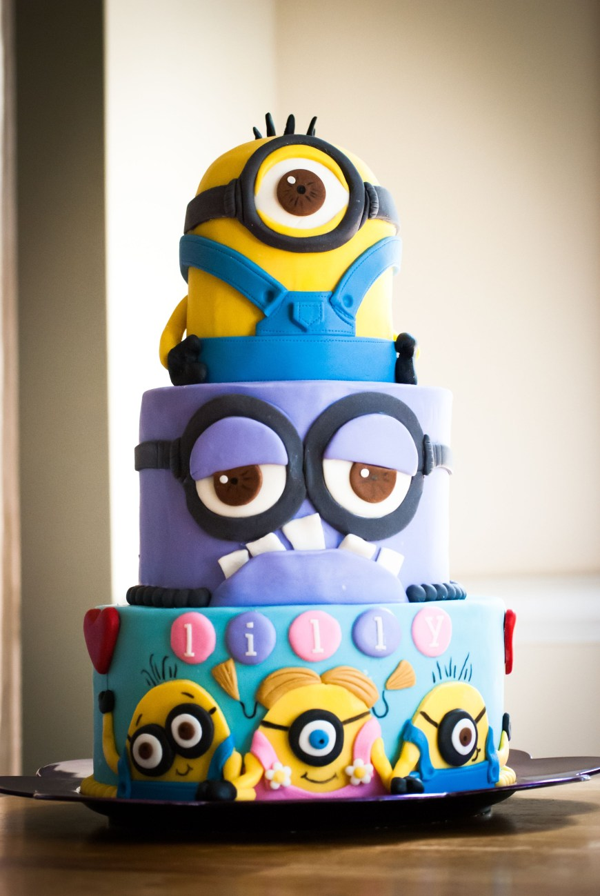 Despicable Me Birthday Cake Minion First Birthday Cakes Google Search Despicable Me Cakes