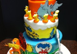 Dr Seuss Birthday Cake Dr Seuss First Birthday Cake This Was My First Topsy Turvy Cake