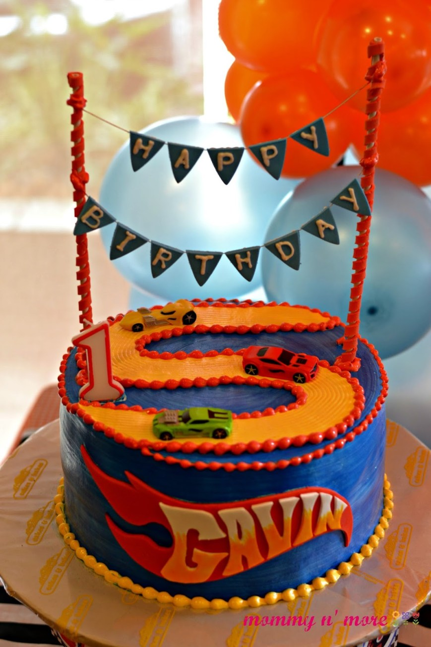 Hot Wheels Birthday Cake Diy Party Inspiration Hot Wheels Inspired 1st Birthday Mommy N More