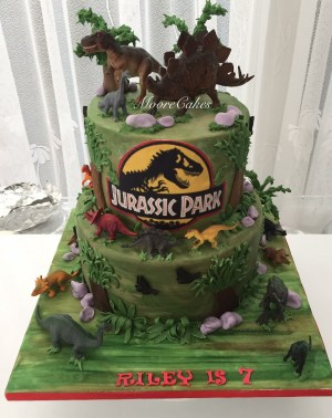 Jurassic Park Birthday Cake Jurassic Park Dinosaur Cake Daxs Birthday Board In 2019
