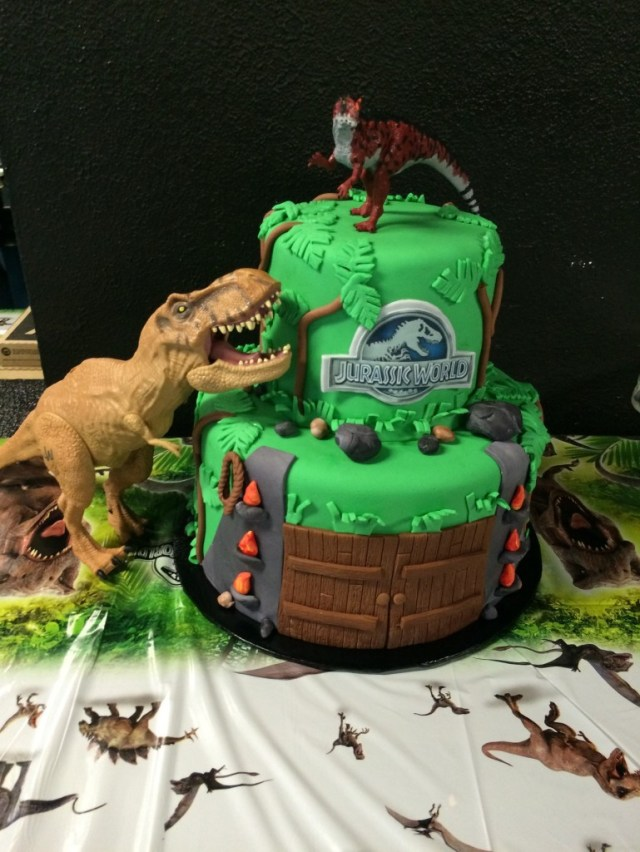 Jurassic Park Birthday Cake Roaring World Party Counting Candles
