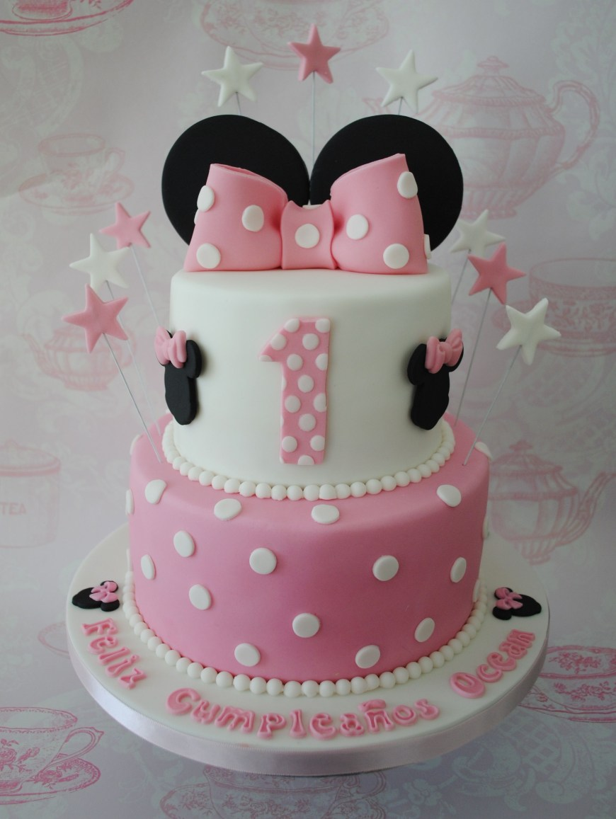 Minnie Mouse Birthday Cake 2 Tiered Minnie Mouse Birthday Cake Torten Tourtes Pinterest