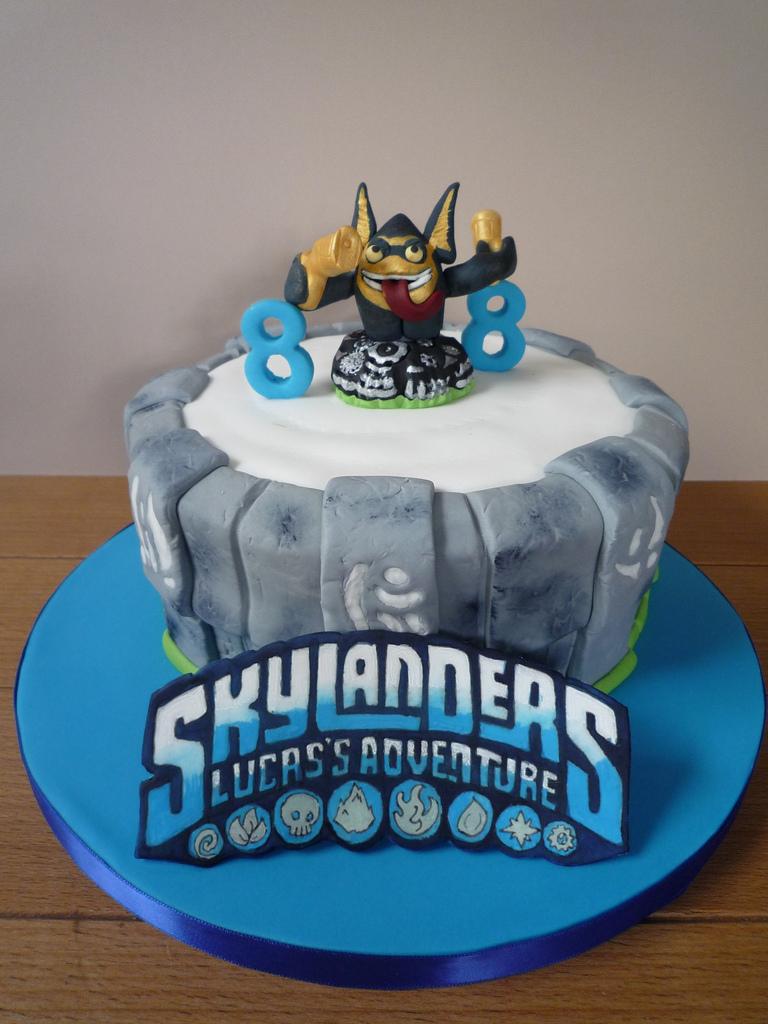 Skylander Birthday Cake Skylanders Birthday Cake With Handmade Legendary Trigger H Flickr