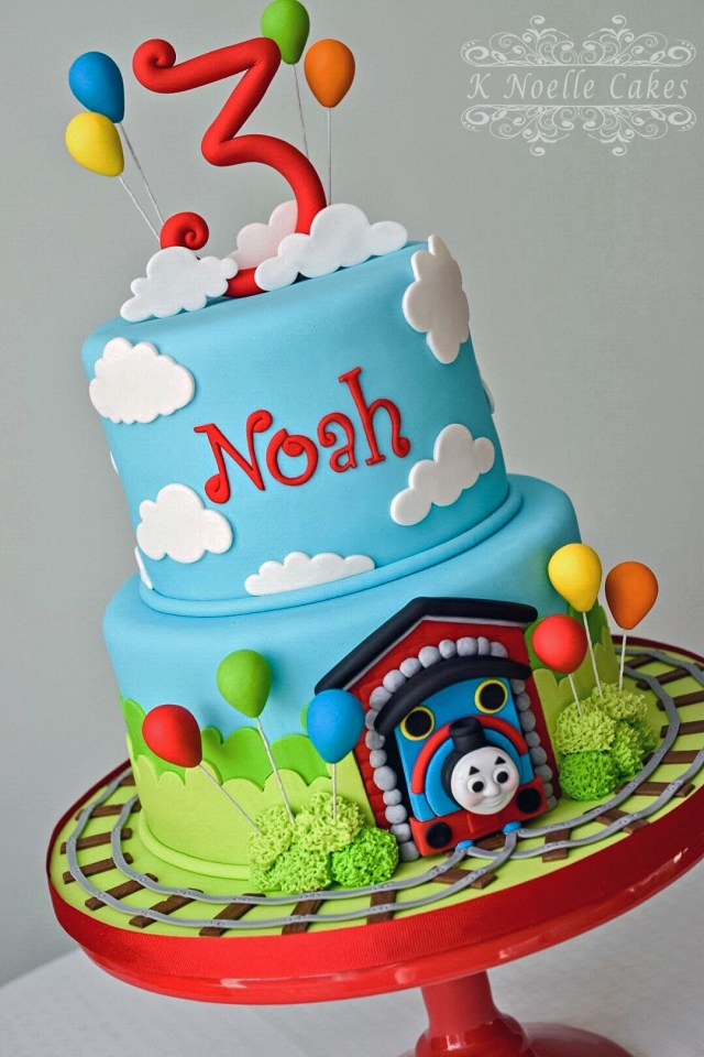 Train Cakes For Birthdays Thomas The Train Cake K Noelle Cakes Cakes K Noelle Cakes