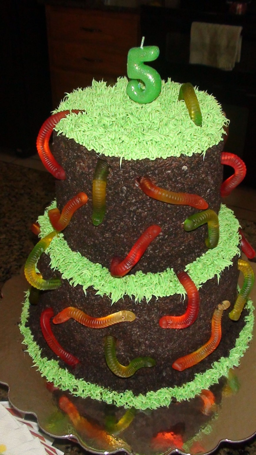 Types Of Birthday Cakes Dirt And Worms Cake Steph Loves This Type Of Cake A New Ideas