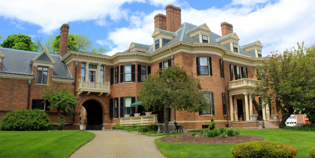 The Davenport Memorial Home