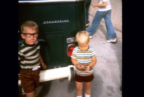 dave dan kids green bus