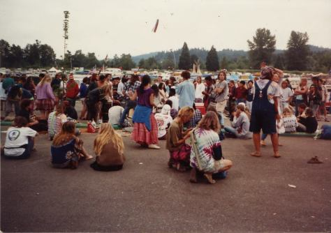 Grateful Dead Roadtrip to Eugene 1990 - Shakedown street parking lot outside Autzen Stadium