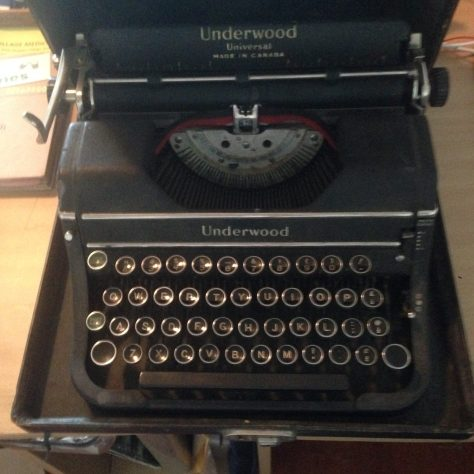 Typerwriter: Underwood Universal / stashed in portable case (as seen on workbench)