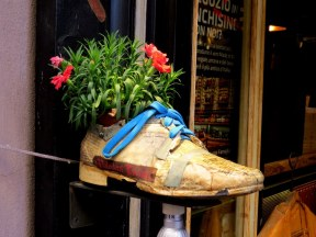 Shoe store in Montepulciano