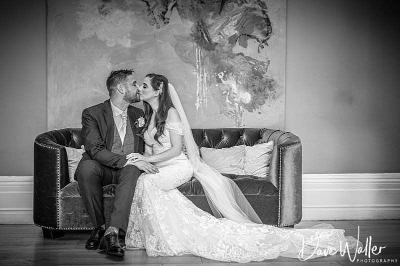 Woodlands-hotel-gildersome-wedding-photographer-West-Leeds-Wedding-Photography-