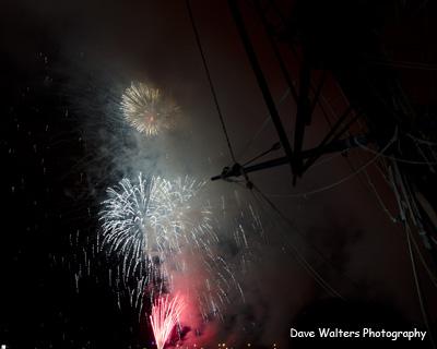 Fireworks w bowsprit-w