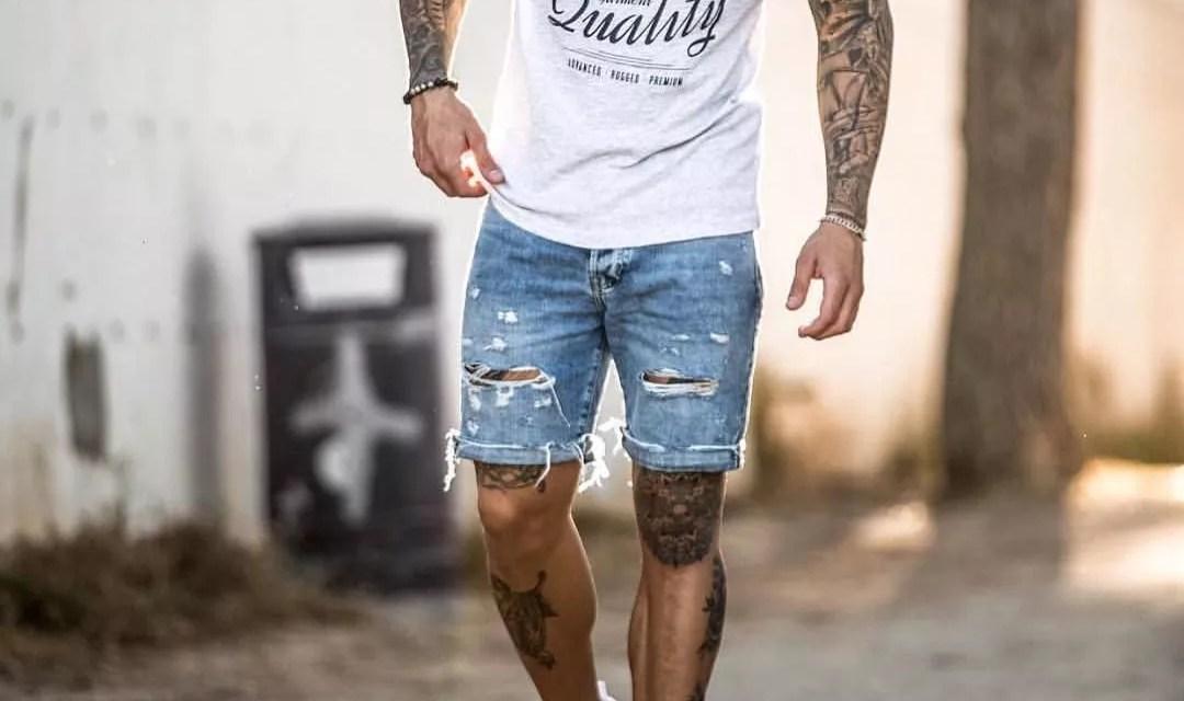 Zestaw #7: Szorty dżinsowe i biały T-shirt