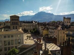 La place Notre-Dame de Grenoble, vue depuis mon toit.