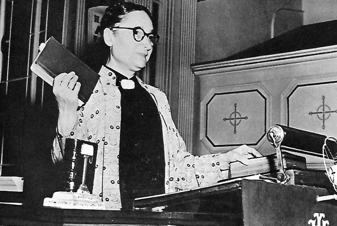 Gladys Aylward and the same Bible that she took everywhere