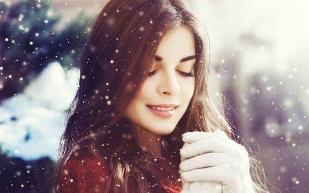 brunette hair in winter