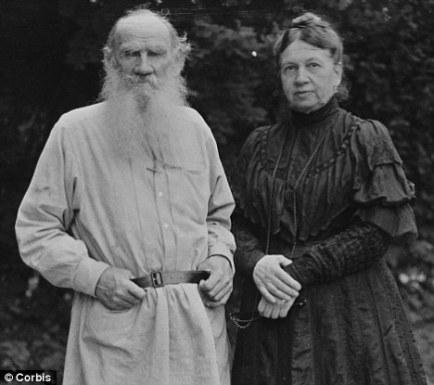 Liev Tolstói e sua esposa Sophia, também sua companheira de trabalho (Foto: Reprodução)