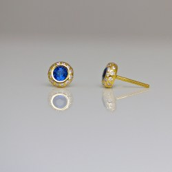 Perfect sapphire diamond ear-studs