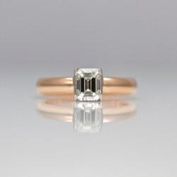 contemporary emerald cut diamond ring