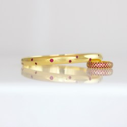 flush set ruby bangle