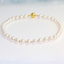 Pearl necklace 18ct yellow gold