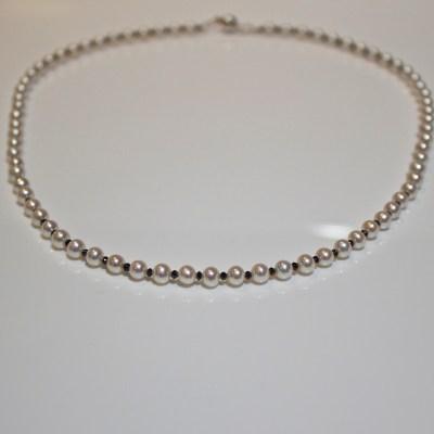 Black diamond & white pearl necklace